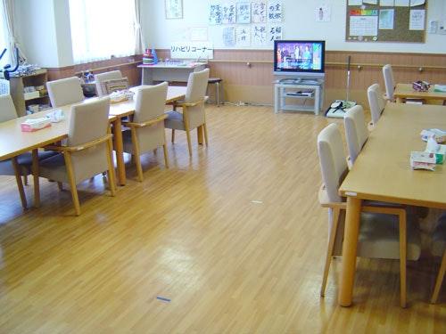 ダイニング・機能訓練室 ニチイケアセンター厚別(有料老人ホーム[特定施設])の画像