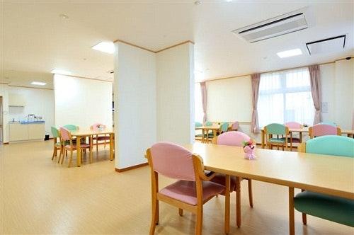 食堂 ウェルライフヴィラ岩切(サービス付き高齢者向け住宅(サ高住))の画像