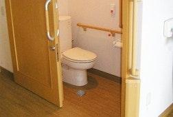居室トイレ まえだの家 仙台中田(有料老人ホーム[特定施設])の画像