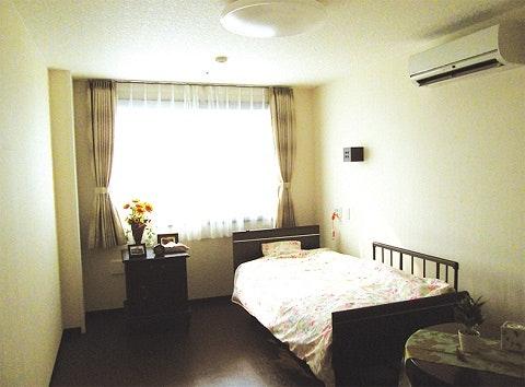 シニアグランドホーム 藤和の華(住宅型有料老人ホーム)の写真