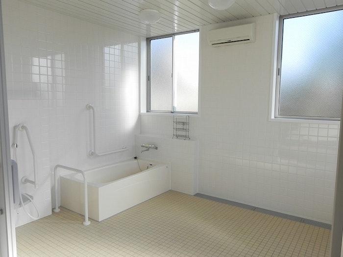一般浴室 リンク玉村(サービス付き高齢者向け住宅(サ高住))の画像