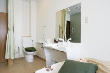 居室内 トイレ・洗面台 スマイリングホーム メディス藤岡(有料老人ホーム[特定施設])の画像
