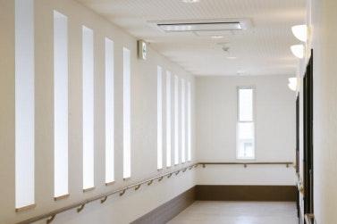 廊下 スマイリングホーム メディス藤岡(有料老人ホーム[特定施設])の画像