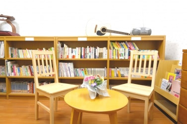 図書室 スマイリングホーム メディス北越谷(有料老人ホーム[特定施設])の画像