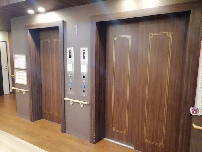 エレベーターホール SOMPOケア ラヴィーレ流山おおたかの森(有料老人ホーム[特定施設])の画像