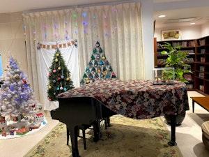 SOMPOケアラヴィーレ町田小野路のグランドピアノ