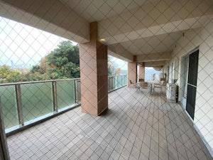 SOMPOケアラヴィーレ町田小野路のテラス