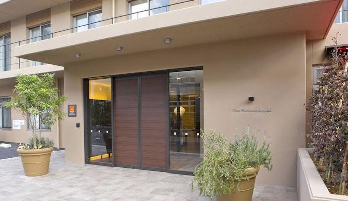 玄関 カーサプラチナ日吉(有料老人ホーム[特定施設])の画像