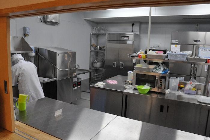 食堂内の厨房 シルバーマンション篠原(サービス付き高齢者向け住宅(サ高住))の画像