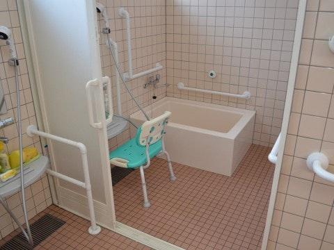 個浴室 スマイルあすなろ(住宅型有料老人ホーム)の画像