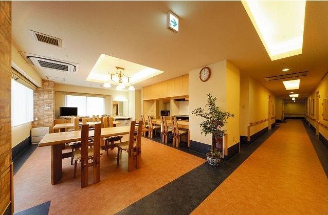 食堂・居酒屋コーナー(2F) ハイリタイヤー21南山(有料老人ホーム[特定施設])の画像