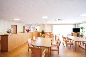 食堂 ケアネットホーム高畑(有料老人ホーム[特定施設])の画像