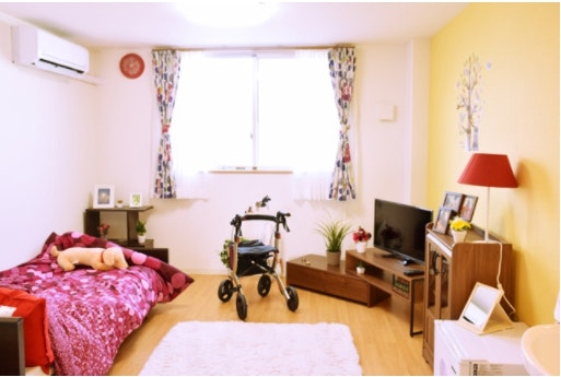 1階リビング アプリシェイト伏見(住宅型有料老人ホーム)の画像