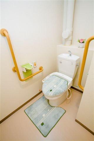居室トイレ ココラ日根野(サービス付き高齢者向け住宅(サ高住))の画像