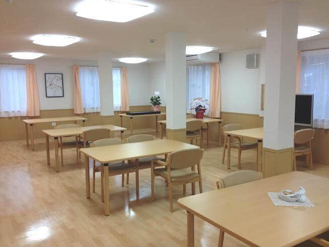 食堂 スイートガーデン千里山(サービス付き高齢者向け住宅(サ高住))の画像