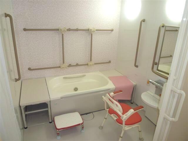 浴室 スイートガーデン千里山(サービス付き高齢者向け住宅(サ高住))の画像